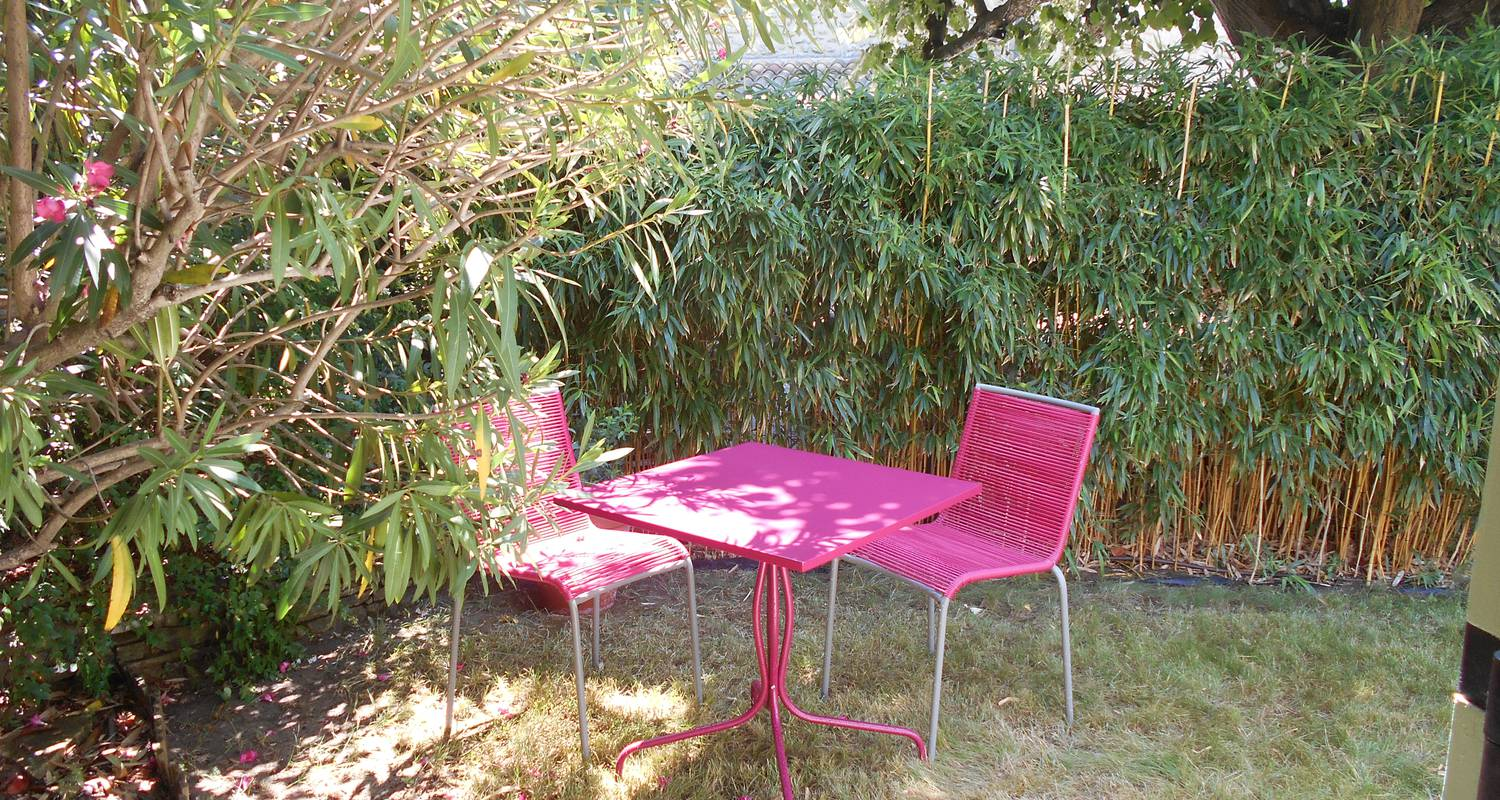 Bed & breakfast: louminai les bambous in donzère (120956)