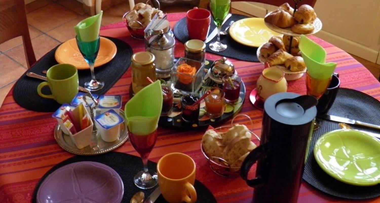 "Bed & breakfast: ""au 10 d'aygu"" in montélimar (120369)"
