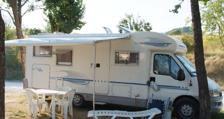Emplacements de camping: tente et caravane au camping du lac bleu à châtillon-en-diois (130294)
