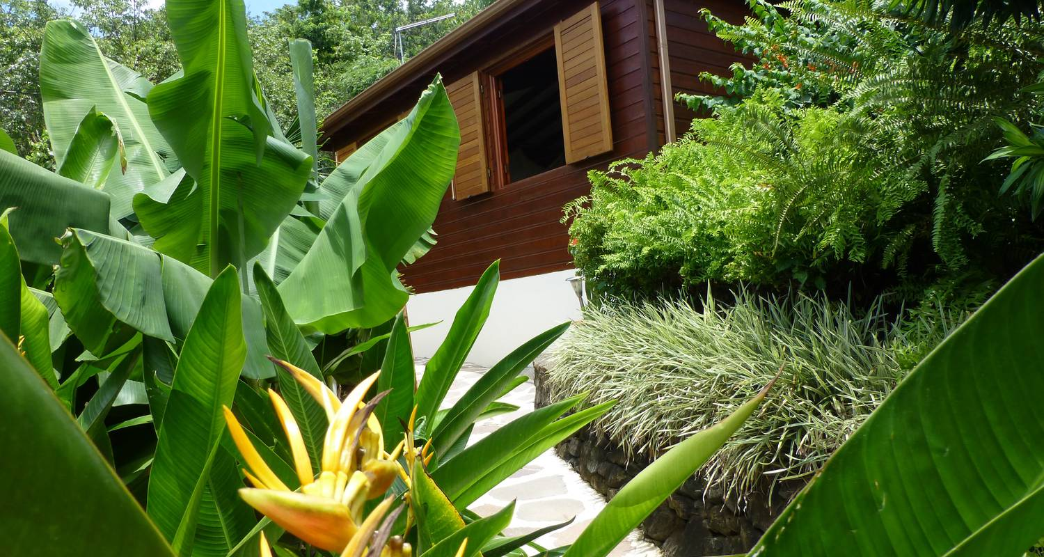 Furnished accommodation: rochers caraibes eco-village in pointe-noire (120725)