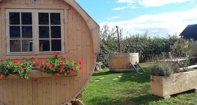 Emplacements de camping: tonneau au cœur des vignes à fleurie (120826)