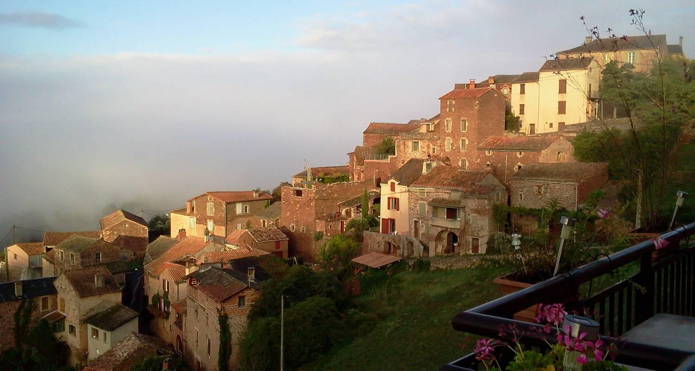 Habitación de huéspedes: auberge du coteau en saint-affrique (120845)