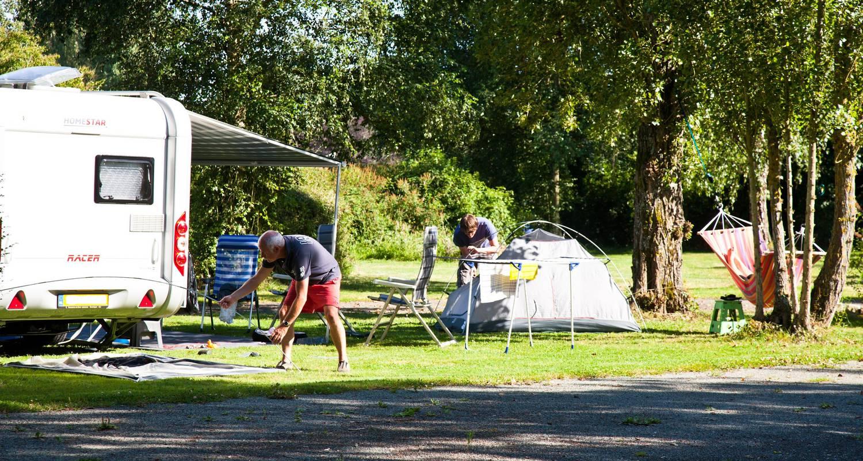 Emplacements de camping: camping du lac à tuffé (121350)