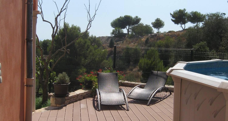 Superbe appartement ind pendant avec piscine terrasse for Appartement avec jardin marseille
