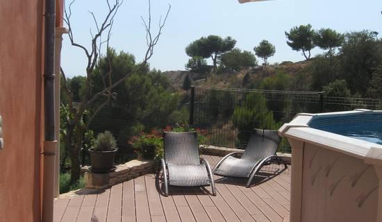 Superbe appartement indépendant avec piscine, terrasse, jardin en RdC de villa. picture