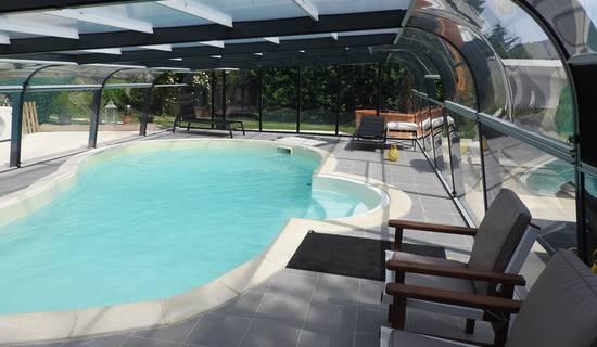 Gîte  avec piscine couverte et chauffée pour 6 personnes photo