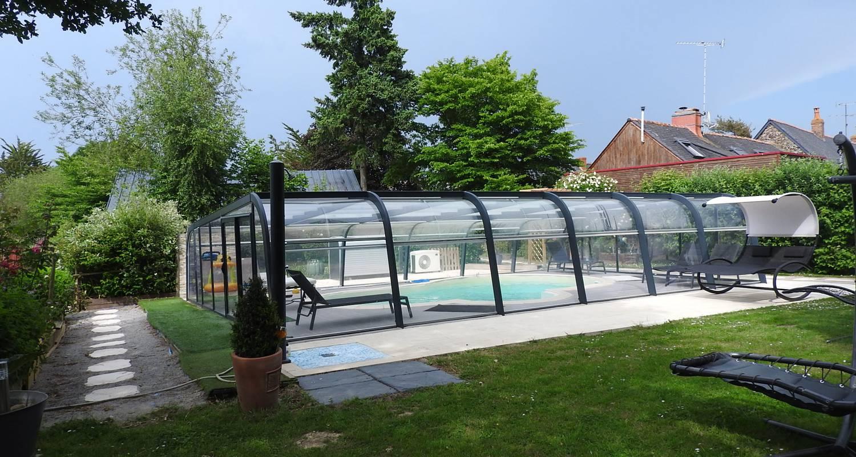 Gîte: gîte la prairie avec piscine couverte pour 4 personnes à rougé (121654)