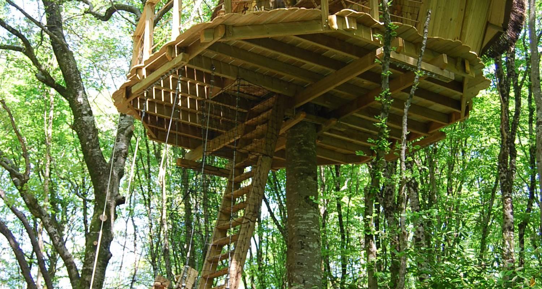 Other kind of rental accommodation: cabane à échelle de la hulotte in magné (121819)