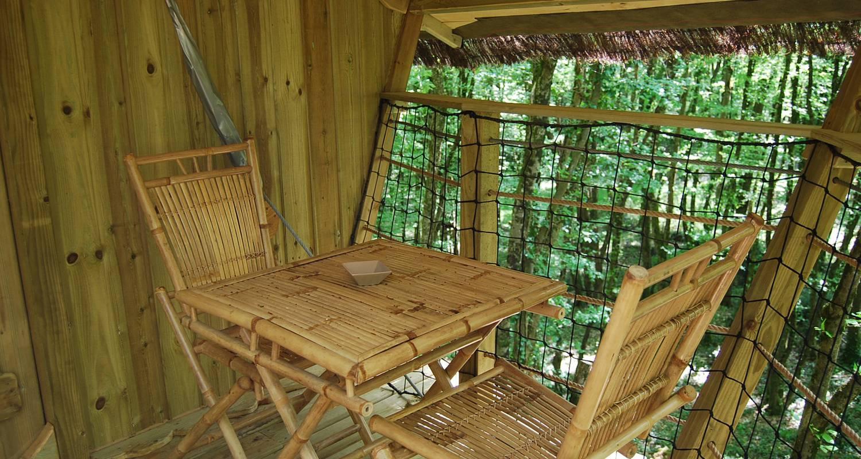 Other kind of rental accommodation: cabane à échelle de la hulotte in magné (121817)
