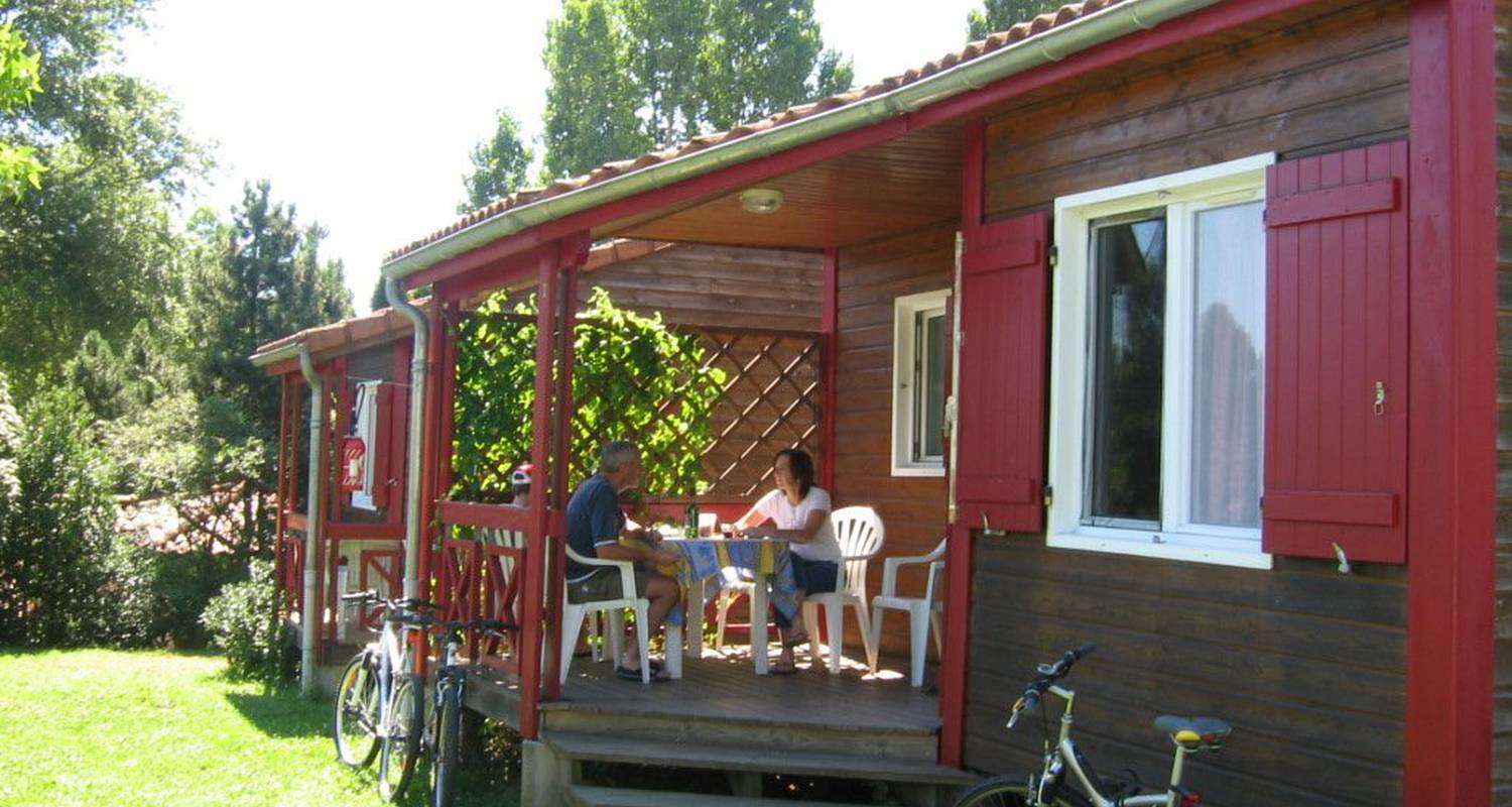Camping pitches: camping des gorges de l'allier in langeac (122171)