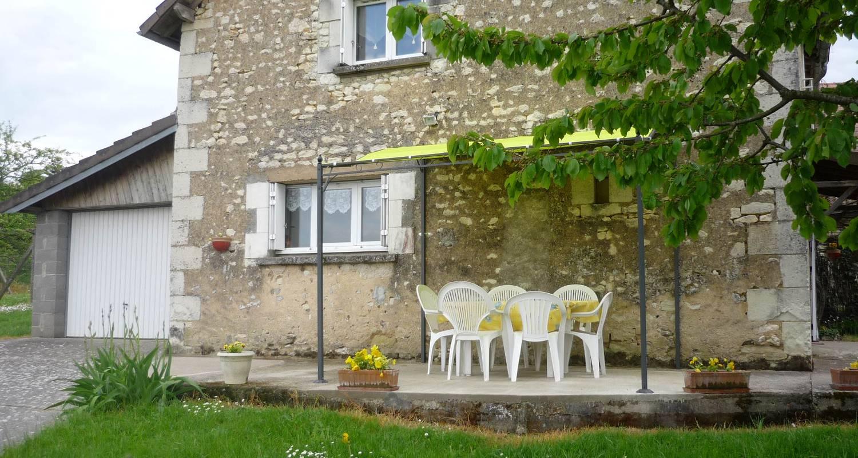 Gîte: maison du bourg à monthoiron (122241)
