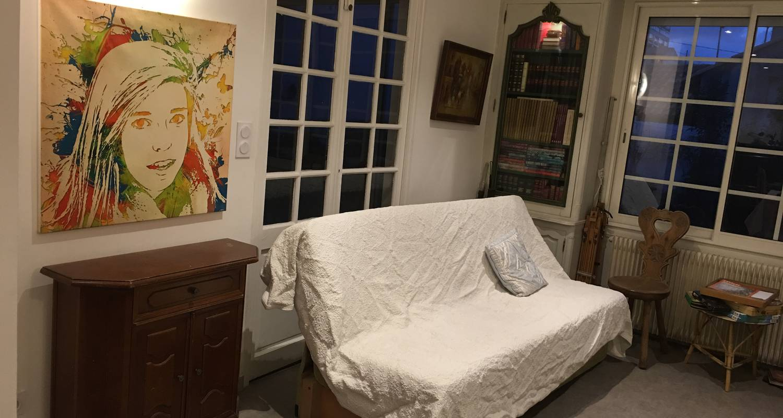 Chambre chez l'habitant: grande chambre tout confort à marseille 12 (131996)