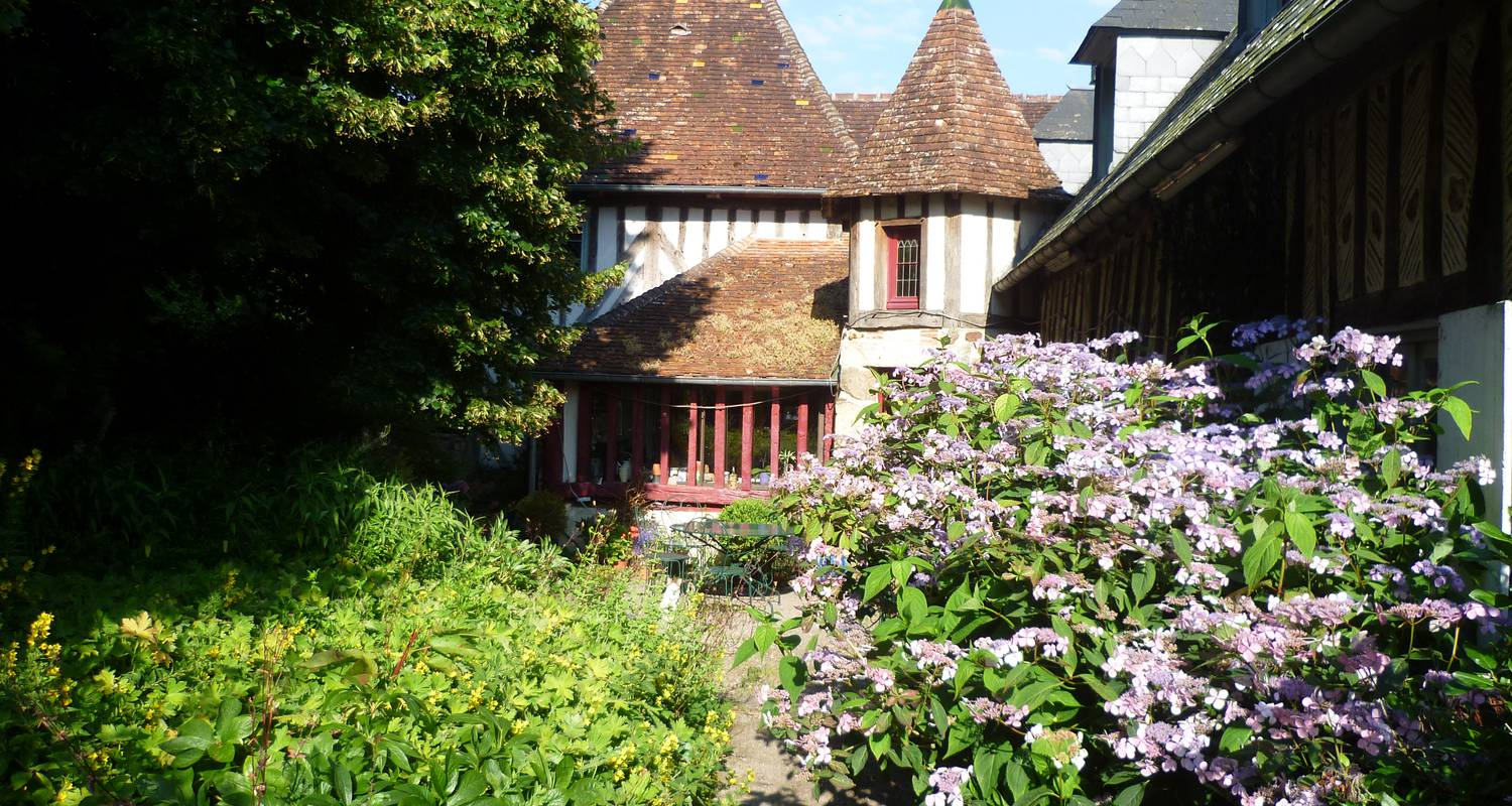 Bed & breakfast: the stays of la hérissonnière in saint-aubin-de-bonneval (122402)