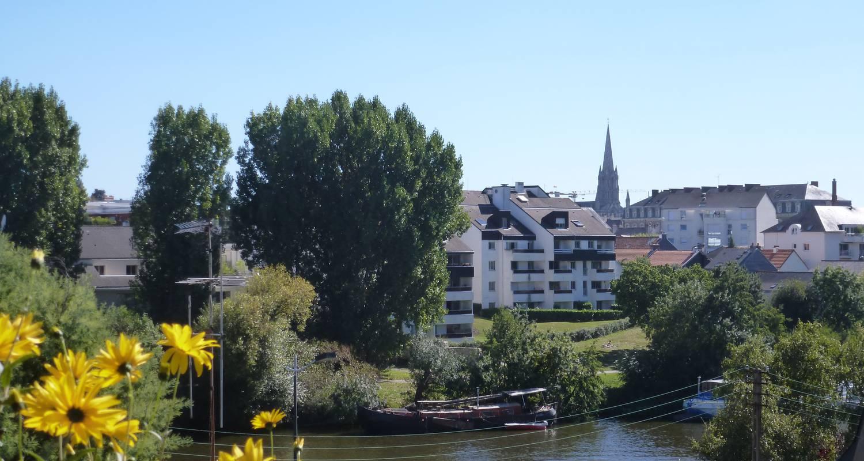 Bed & breakfast: a la maison jaune in nantes (122479)