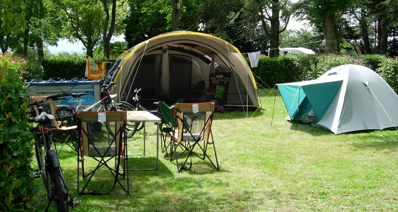 Emplacements de camping: camping la porte d'autan à saissac (122571)