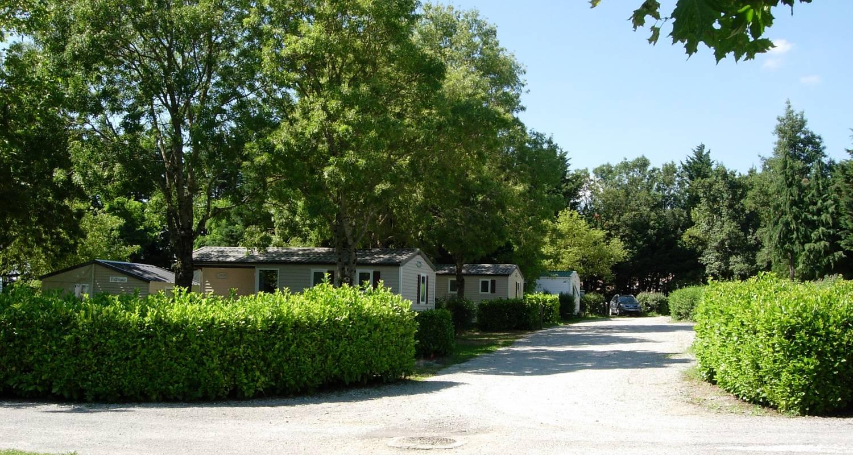 Emplacements de camping: camping la porte d'autan à saissac (122572)