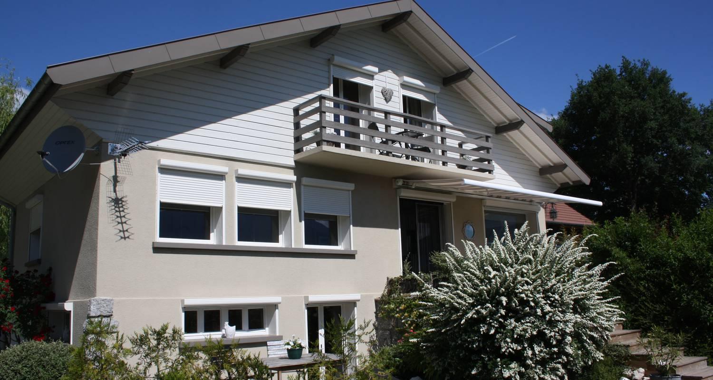 Furnished accommodation: aux premières loges studio spacieux pour 2 personnes in sévrier (122623)