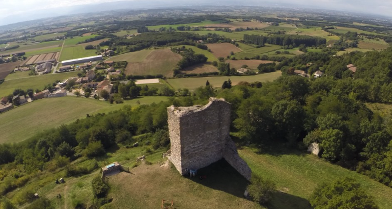 Activity: medieval ruins guided tour in la baume-cornillane (123353)