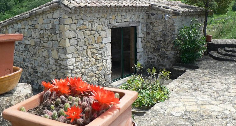 Gîte: ferme équestre le relais de vazeille à saint-maurice-d'ibie (123360)