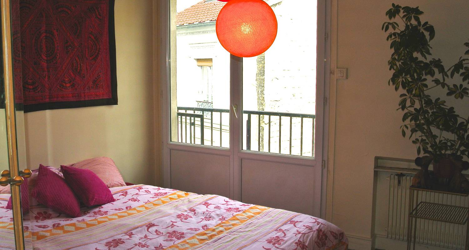 Bed & breakfast: b & b double room with balcony in paris (123656)