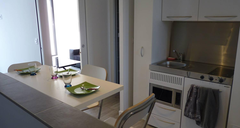 Furnished accommodation: appartement t2 de standing avec terrasse privée in villeurbanne (123683)