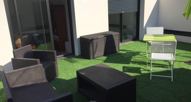 Furnished accommodation: appartement t2 de standing avec terrasse privée in villeurbanne (123682)