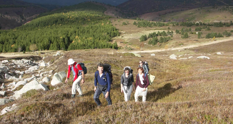 Activité: pratique de randonnées a pieds, a raquettes, a vélo. en boussenac (123966)
