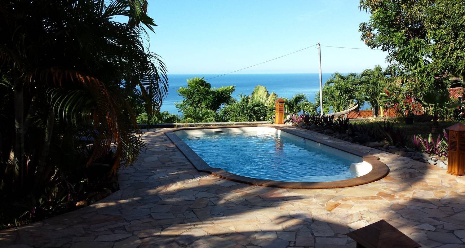 Furnished accommodation: domaine du piton bellevue - corossol studio with sea view, swimming pool and spa access in pointe-noire (124021)