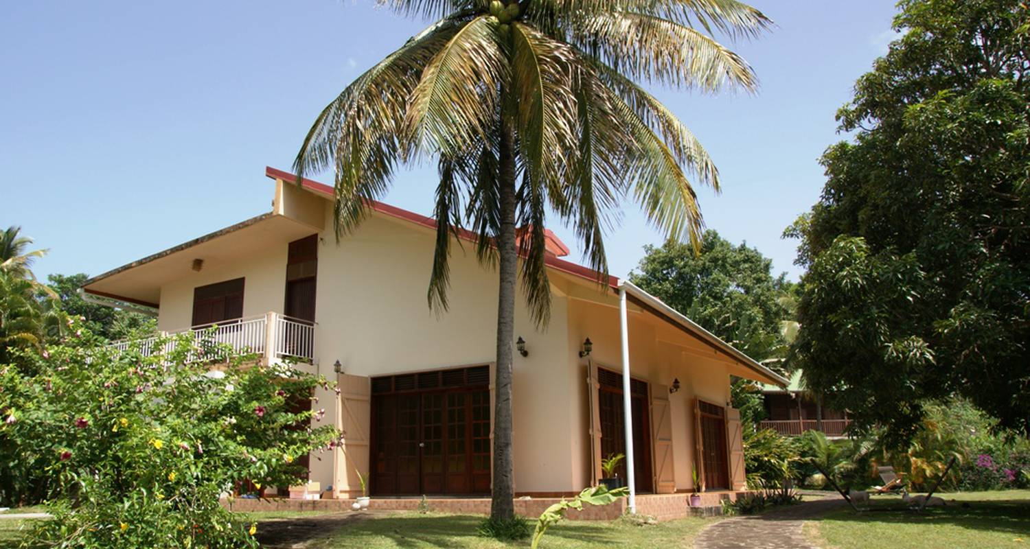 Furnished accommodation: domaine du piton bellevue - corossol studio with sea view, swimming pool and spa access in pointe-noire (124023)