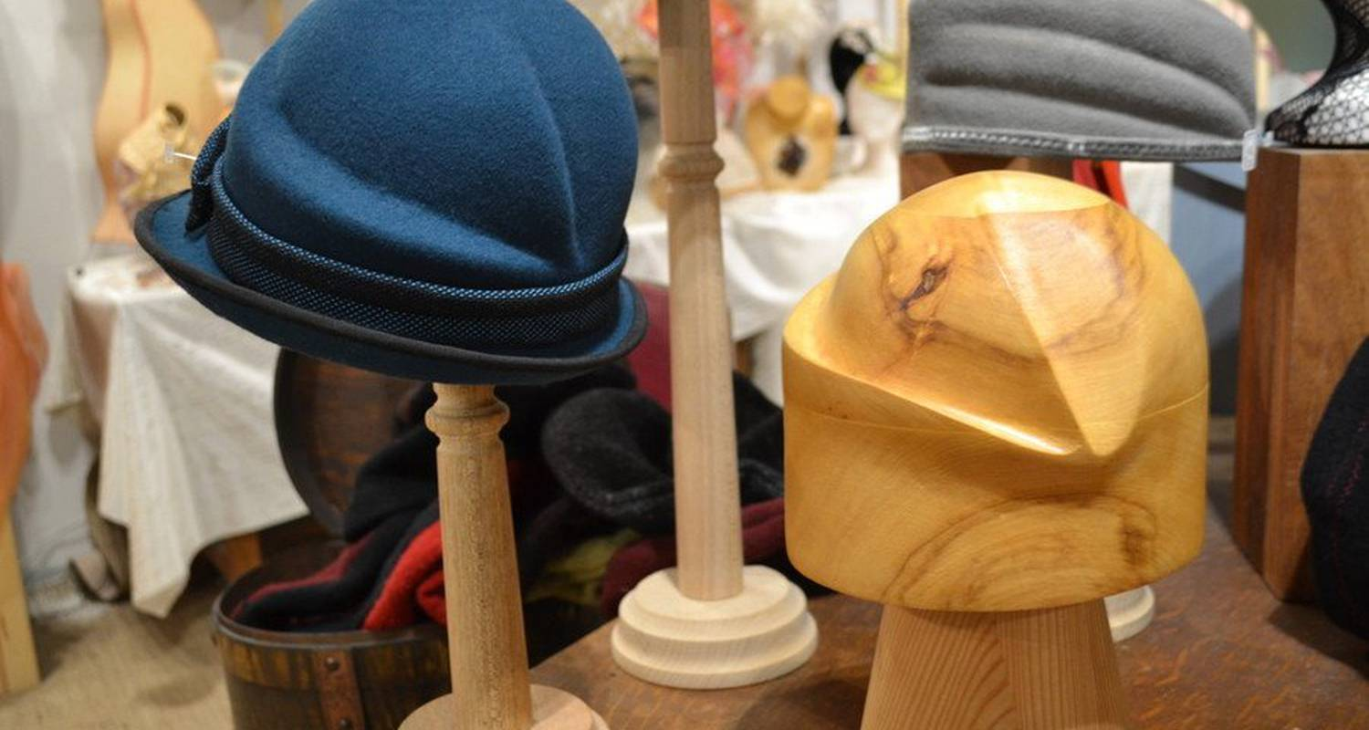 Activity: headwear course in roanne (124131)