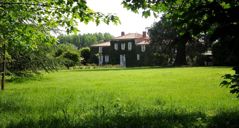 Bed & breakfast: manor le verger in saint-philbert-de-grand-lieu (129879)