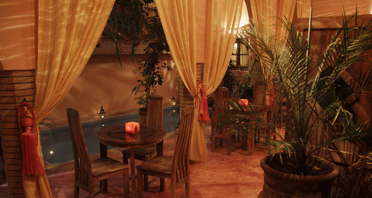 Riad: charming riad azenzer - with swimmingpool in marrakech (124363)