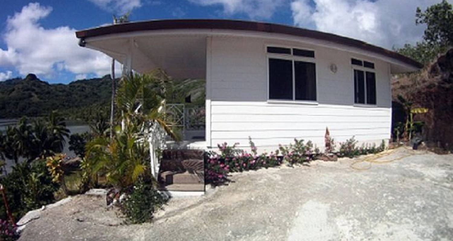 Furnished accommodation: huahine location - the bungalow in fare (124461)