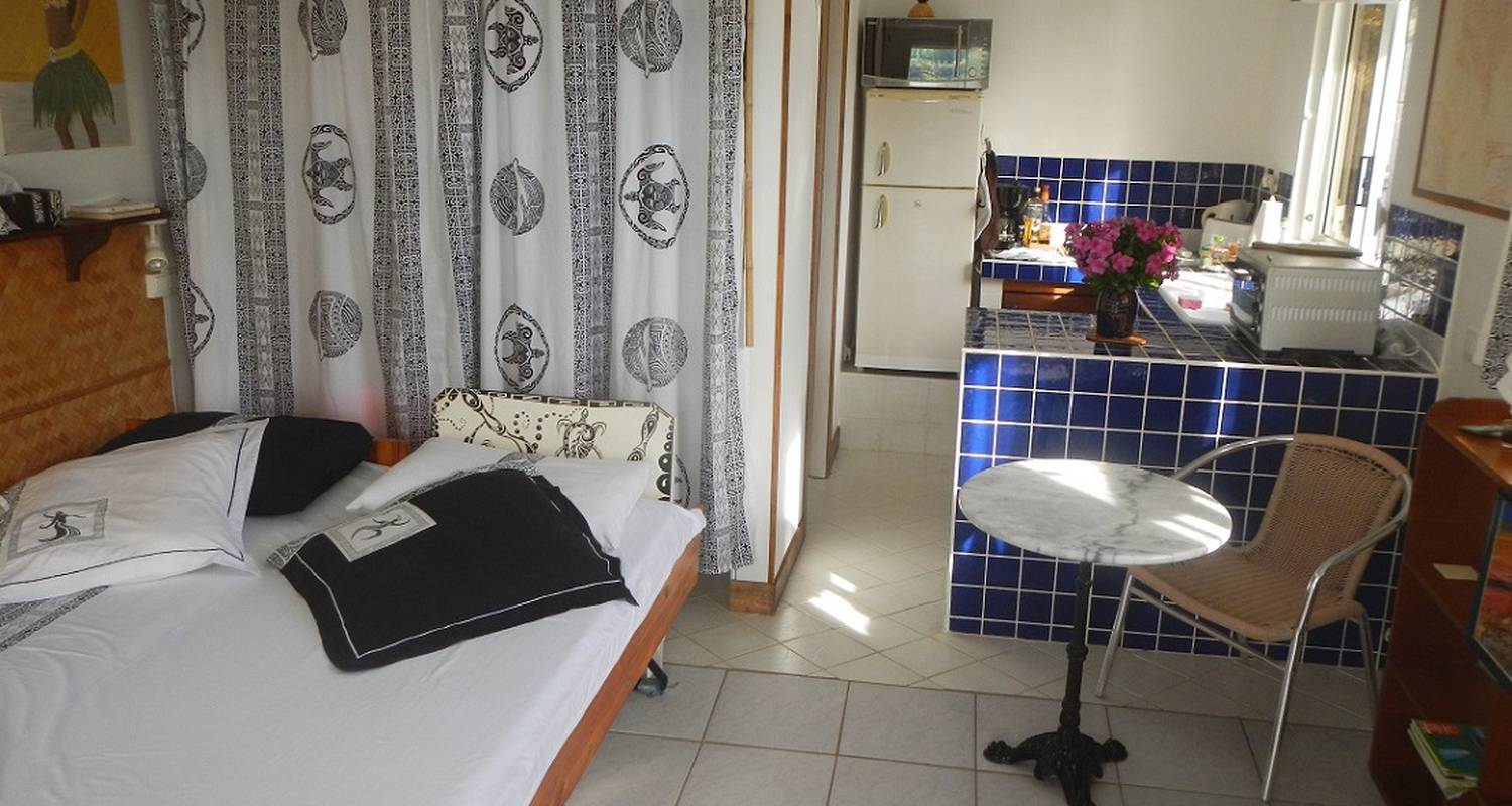Furnished accommodation: huahine location - the bungalow in fare (124462)