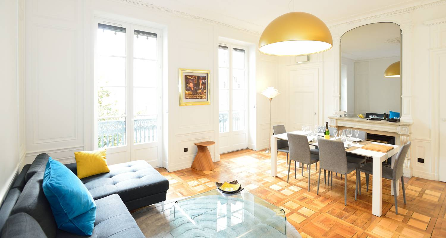 Furnished accommodation: appart' presqu'île in lyon (125350)