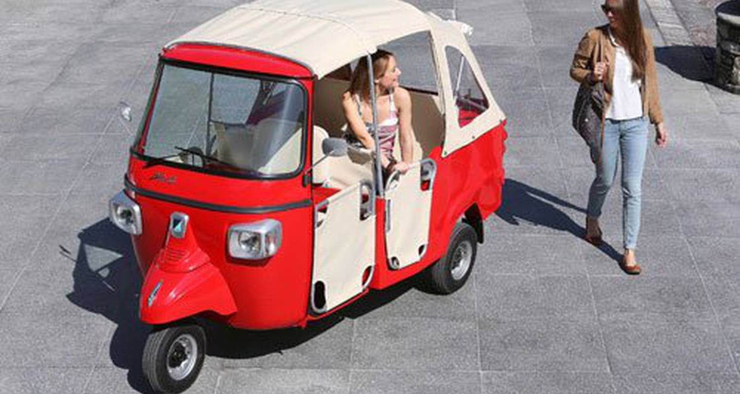Activity: visite guidée de  lyon en tuktuk in lyon (125362)