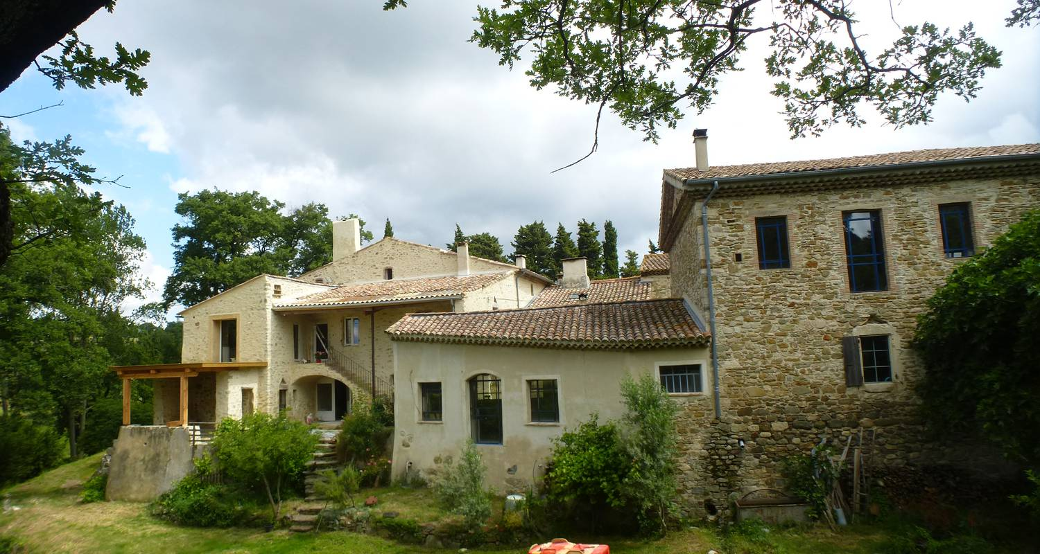 Other kind of rental accommodation: maison d'artiste, ancien couvent  in salettes (125444)