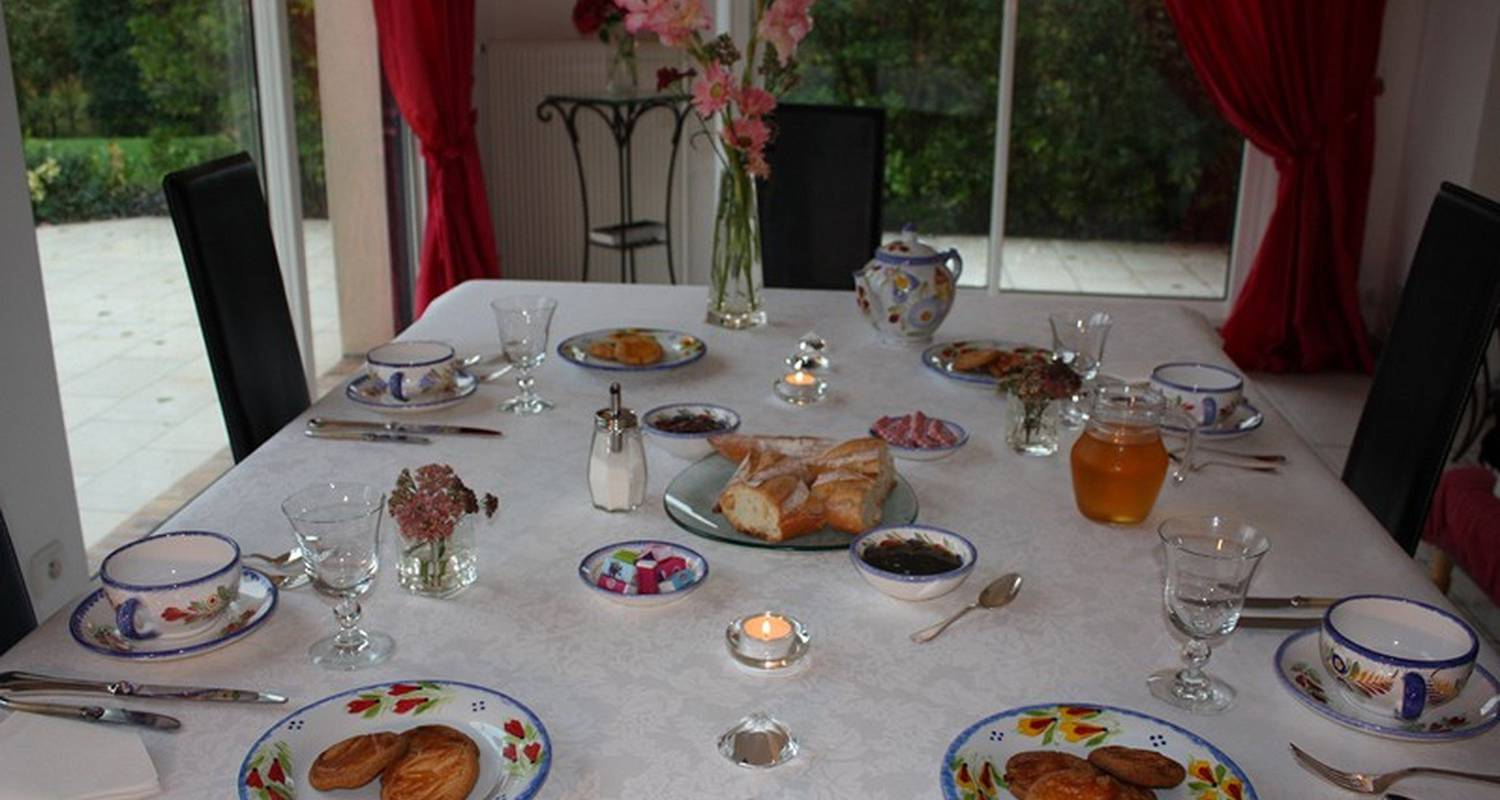 Bed & breakfast: un vent de fleurs in loctudy (125538)