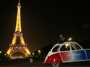 Paris by Night en 2CV