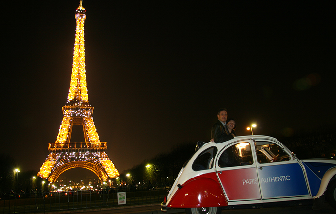 Paris by Night en 2CV