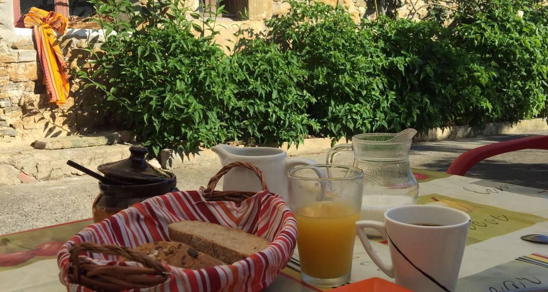 Bed & breakfast: guest house sarsola zahar in aizarnazabal (125842)