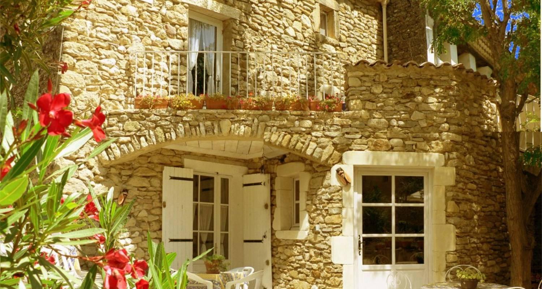 Gîte: résidence de l'acacia - appartements et studios de vacances - maison à saint-andré-de-roquepertuis (126023)
