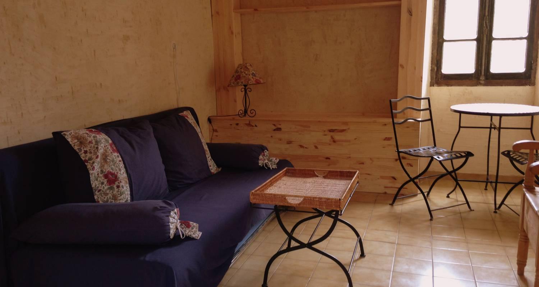 Gîte: résidence de l'acacia - appartements et studios de vacances - maison à saint-andré-de-roquepertuis (126025)