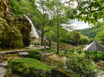Jardin des Fontaines Pétrifiantes