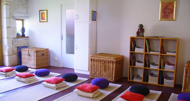 Activité: stages art yoga relaxation et connaissance de soi à coussegrey (126269)