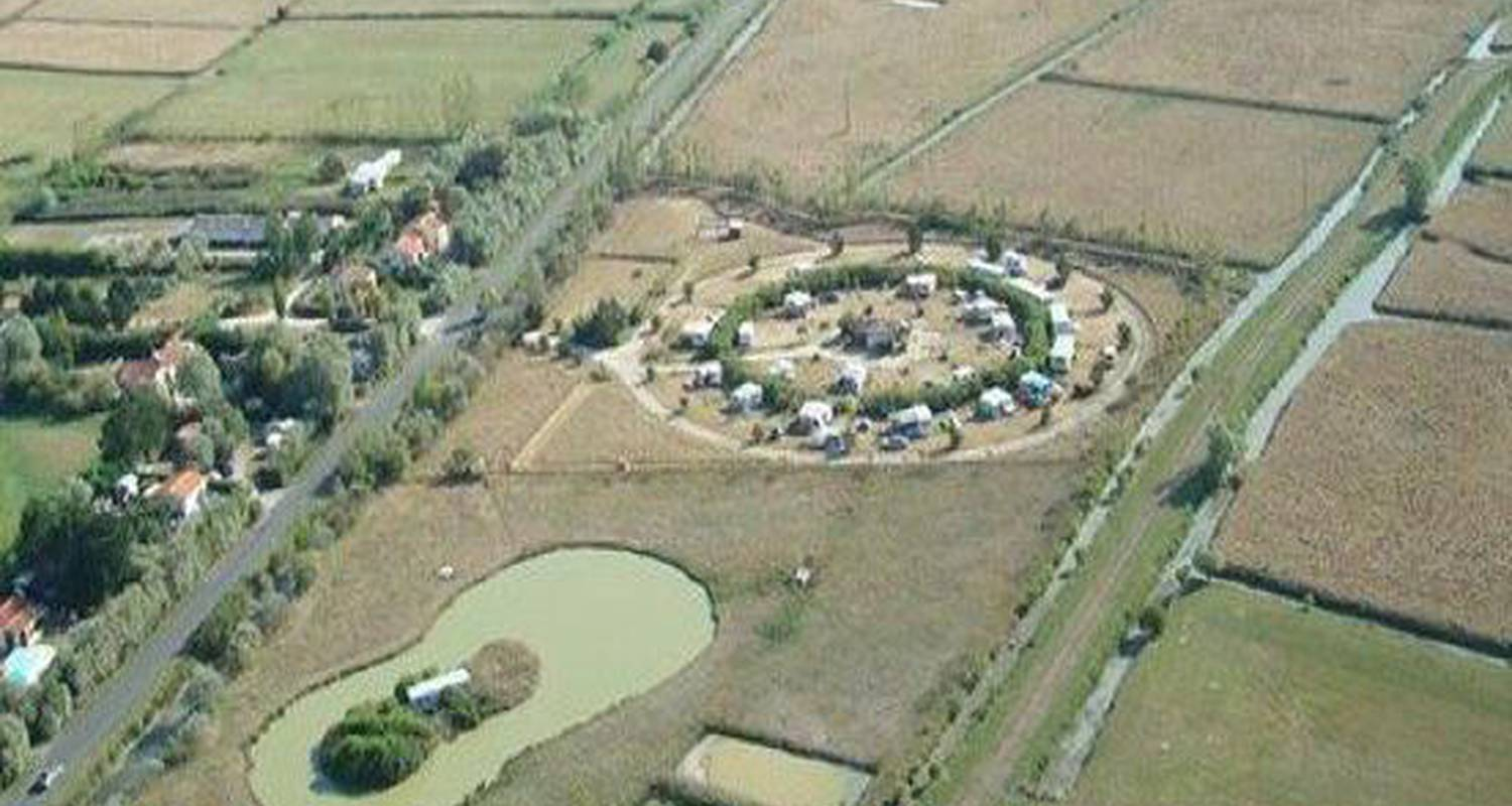 "Camping pitches: aire naturelle de camping ""les chagnelles"" in le perrier (126774)"