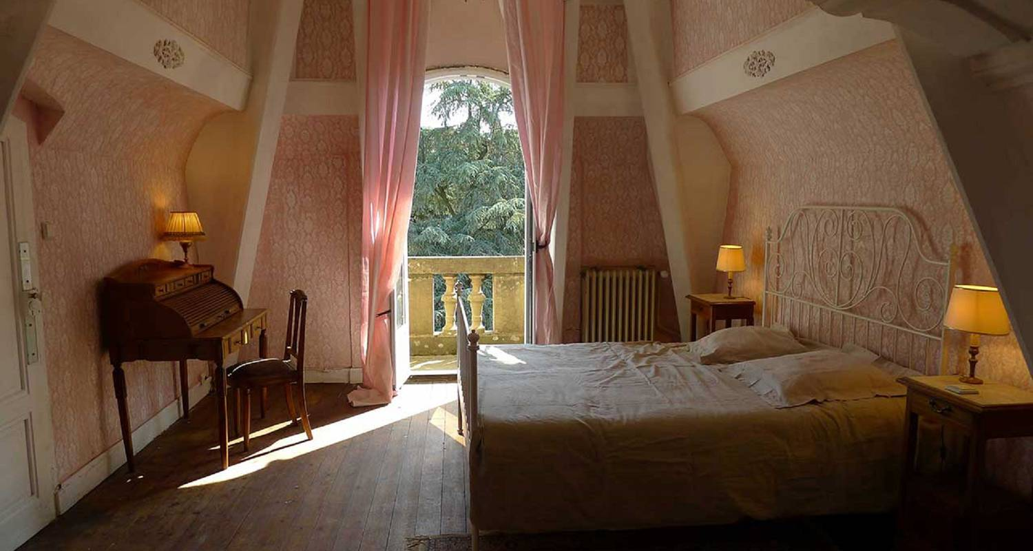 Bed & breakfast: les chambres d'hôtes du manoir in tarare (126875)