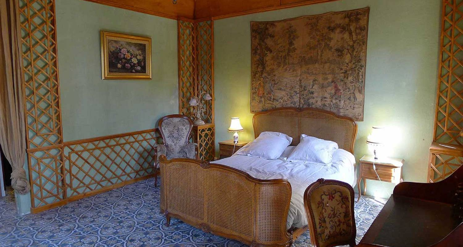 Bed & breakfast: les chambres d'hôtes du manoir in tarare (126876)