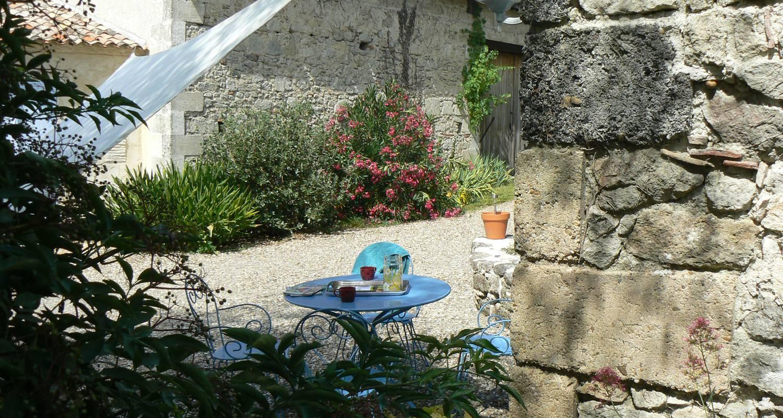 Gîte: domaine de geneviève de vignes in saint-martin-de-gurson (127174)