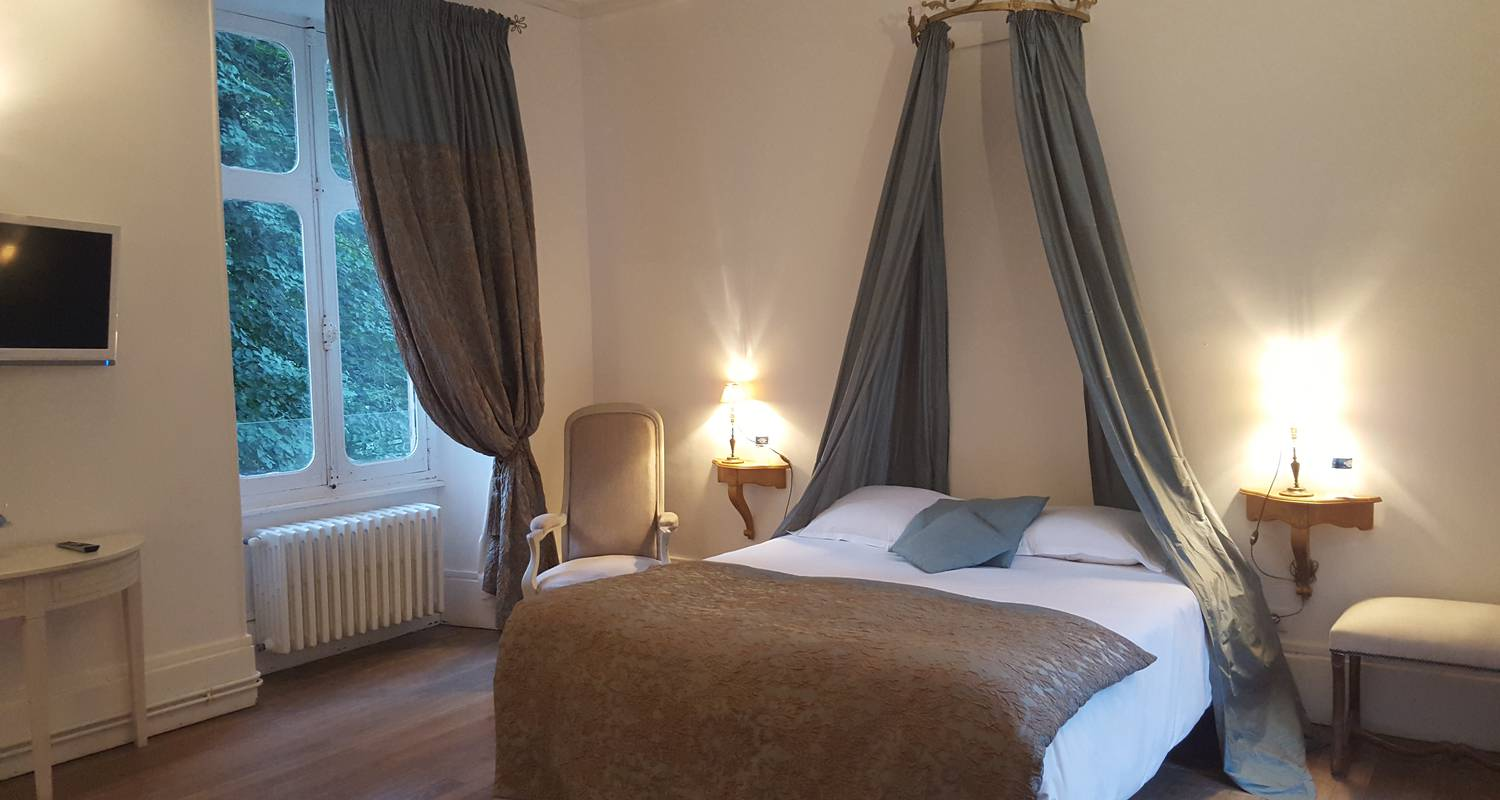 Hotel: chateau hotel le sallay in magny-cours (126976)